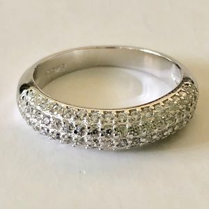 Jewelry - Stunning Sterling Silver 1.8 Carat Cluster Ring